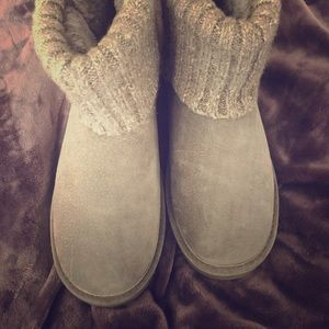 Gray suede Lamo boots, size 10